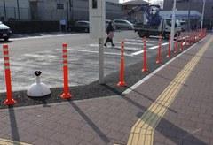 ローソン駐車場 進入禁止対策