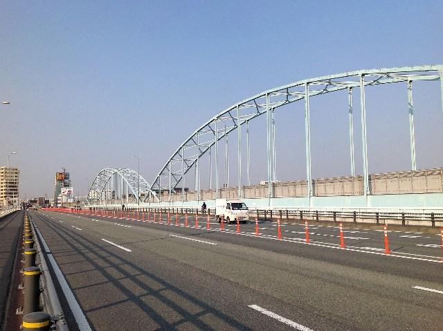 神奈川県 多摩大橋 車線分離